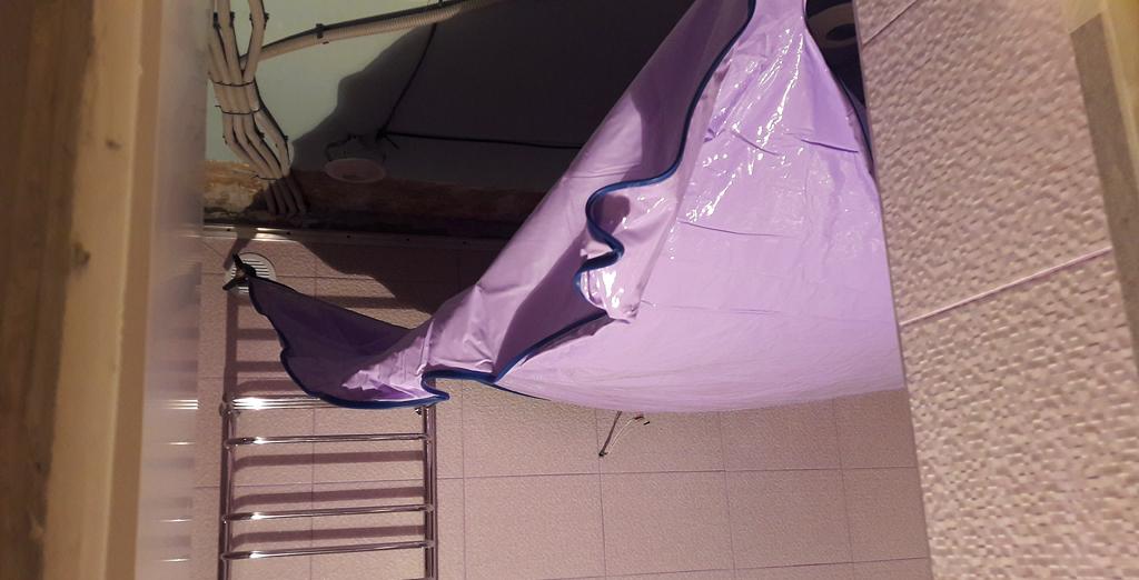 Подготовка полотна натяжного потолка для монтажа в Волоколамске