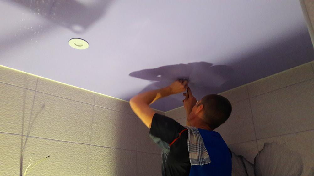 Установка светильников в натяжной потолок в Волоколамске