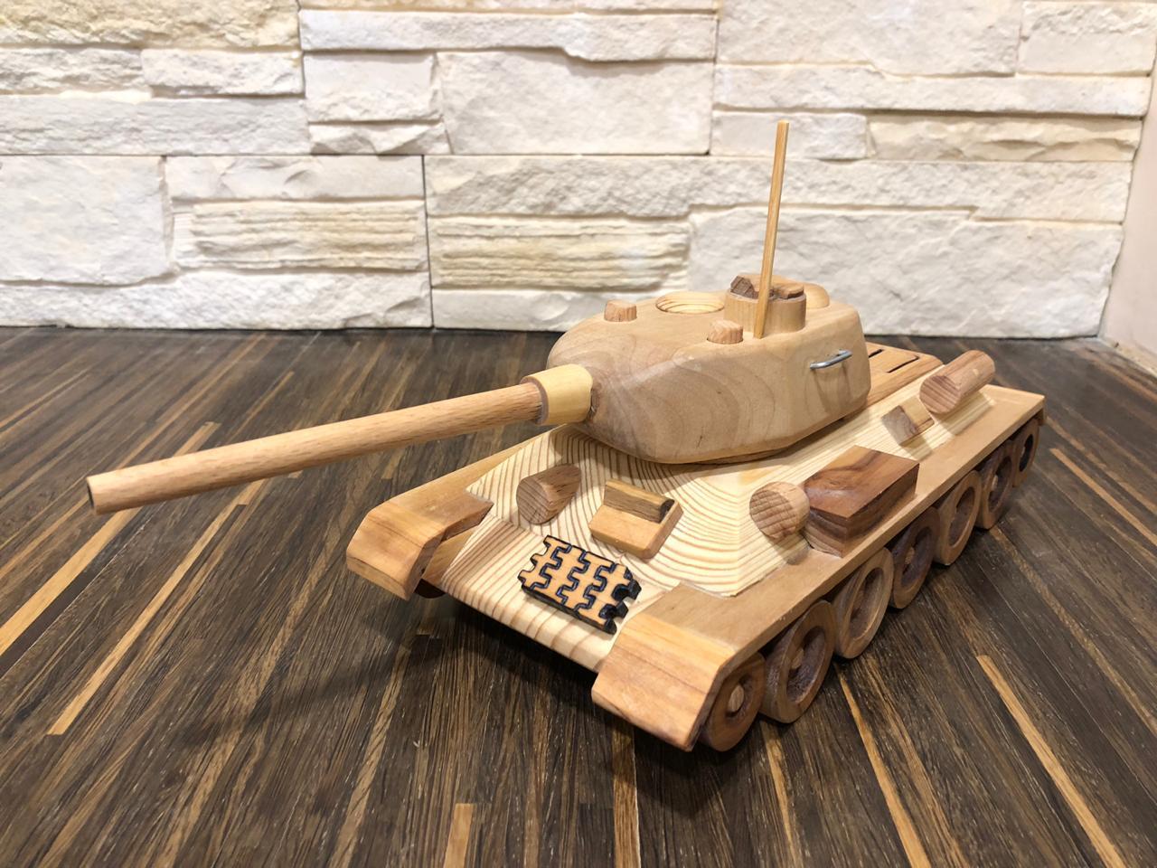 Т-34 85 ручной работы в подарок на 23 февраля 2019 г.